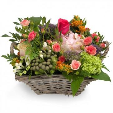 Fleurige bloemenmand